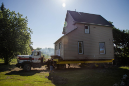 SiTE:LAB prepares to move the house for Julie Schenkelberg�s project.
