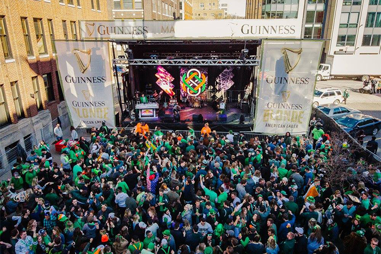 Irish On Ionia: Dancing (and drinking good beer) in the streets!
