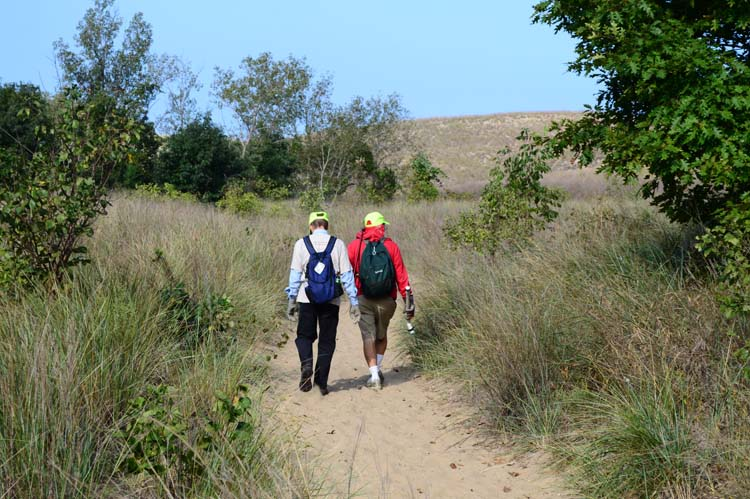 Volunteers set off to fight invasives at Warren State Park. Photo by Mark Wedel.