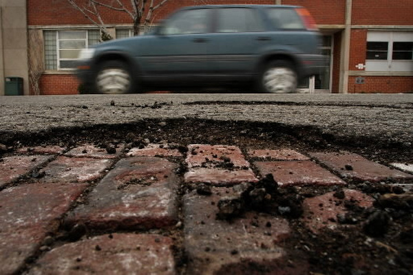 Deteriorating streets continue to plague Grand Rapids.