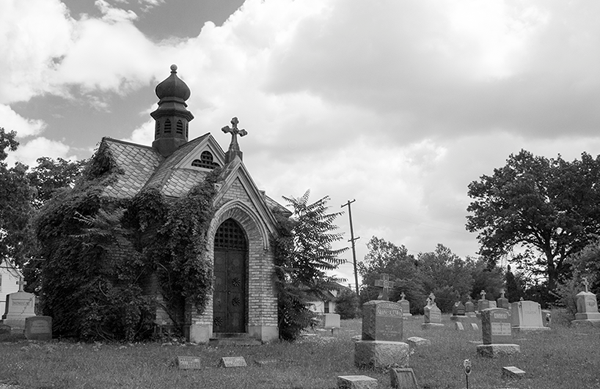 St. Andrew�s Cemetery Tour: The Keymaster Walks with Us