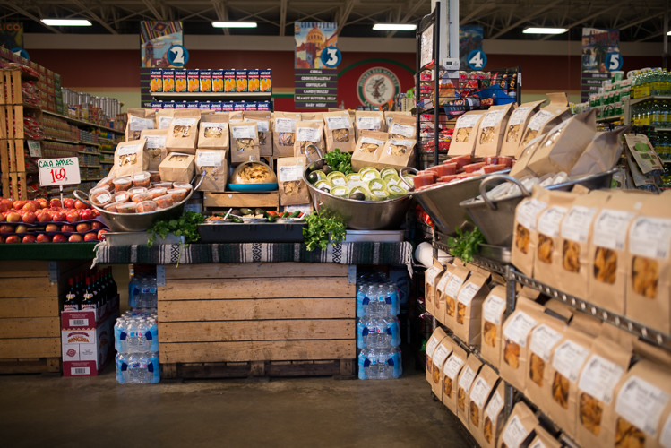 Detroit�s predominately independent grocery stores could benefit from better training through the Detroit Healthy Grocer Initiative.